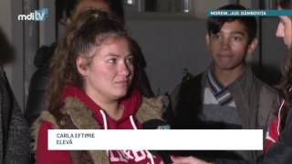 SUSTINERE PENTRU PROFESOARA DE LA MORENI   YOUTUBE