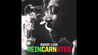 Repeat youtube video Snoop Lion (feat. Akon) - Tired of Running