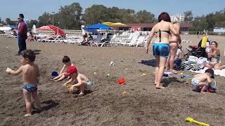 Анталья, пляж Лара в апреле. Турция, открытие пляжного сезона