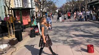 Download Even the dog was AMAZED - Somewhere over the rainbow - Street performance