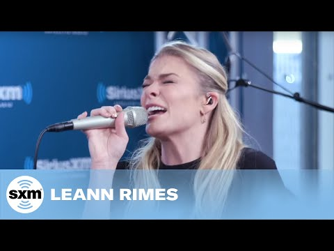LeAnn Rimes performs 'You and Me and Christmas' at SiriusXM