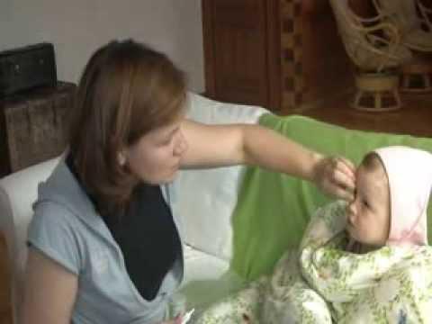 Обработка рук мамы. Прокалывание пузыря