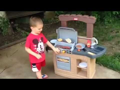 Little Tikes Cook 'N Play Outdoor BBQ Grill - Mom Spotted ...