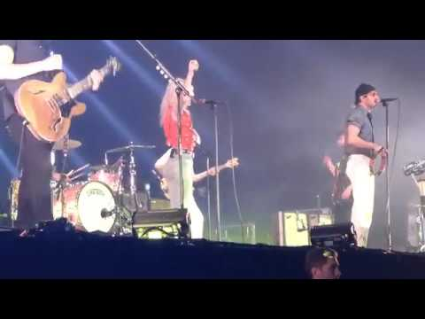 Paramore French Class - Live AFAS Live Amsterdam 2018 ... Paramore Afas Live