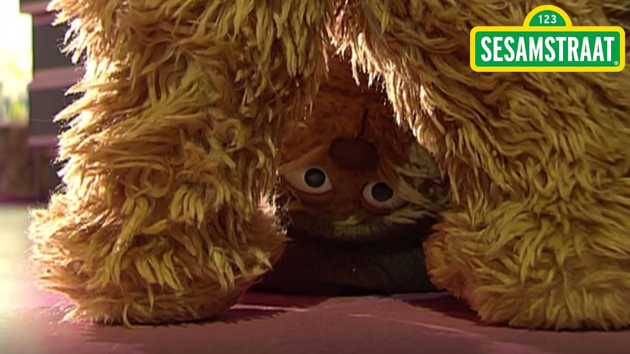 Op de kop - Tommie - Sesamstraat - YouTube