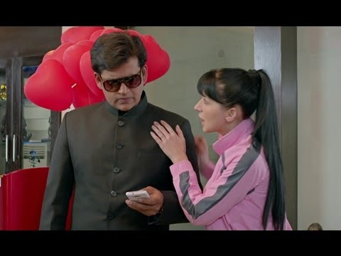 Ravi Kissen finds out the truth - Bajatey Raho