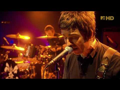 Oasis - Waiting for the Rapture (Live Wembley 2008) (High Quality video)(HD)