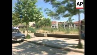 YUGOSLAVIA: KOSOVO: REFUGEES RETURN FROM MACEDONIA