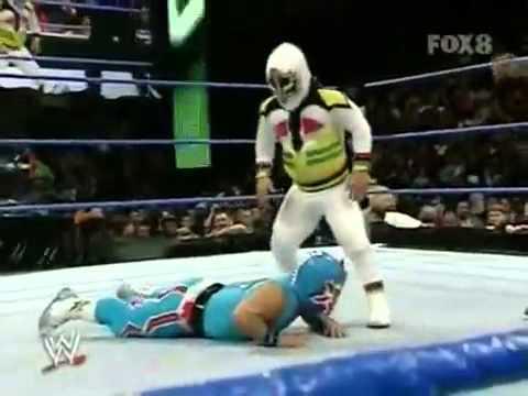WWE Velocity:Mascarita Sagrada VS. Tzuki