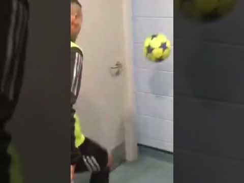 CHANGING ROOM WALL BALL! 🤩⚽️ #Shorts Thumbnail