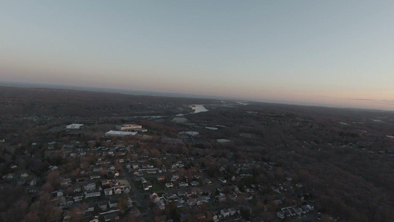 DJI FPV Drone flight over inner Shelton фото