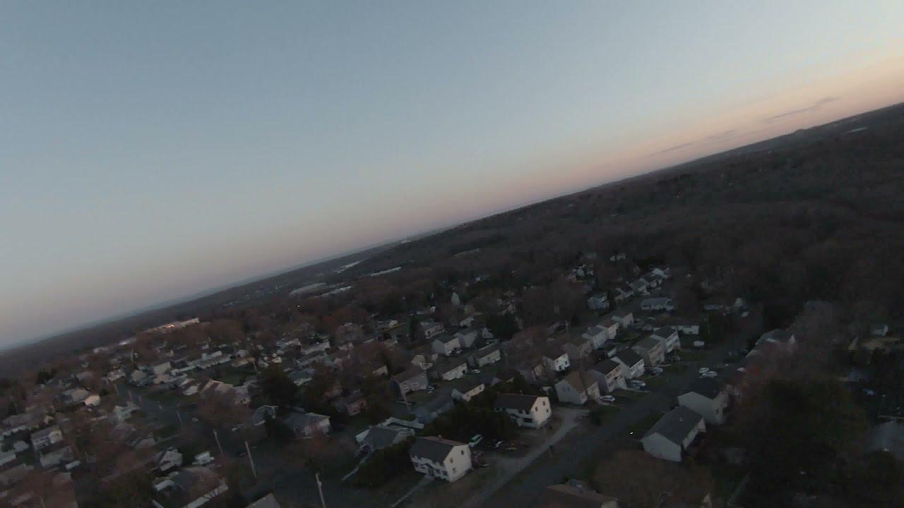 DJI FPV Drone flight over inner Shelton фотки