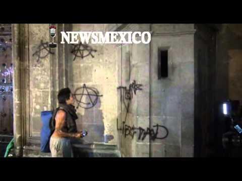 Los infiltrados en la puerta de Palacio Nacional