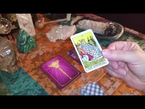 Daily Tarot Reading & Oracle Card Message January 1, 2018 - HAPPY NEW YEAR -