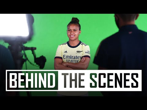 Nikita Parris' signing day | Behind the scenes at Arsenal training centre