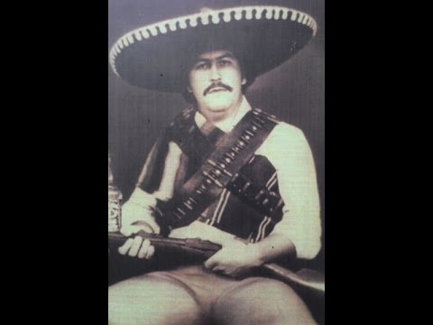 Могила легендарного наркобарона Колумбии - Пабло Эмилио Эскобара Гавирии.