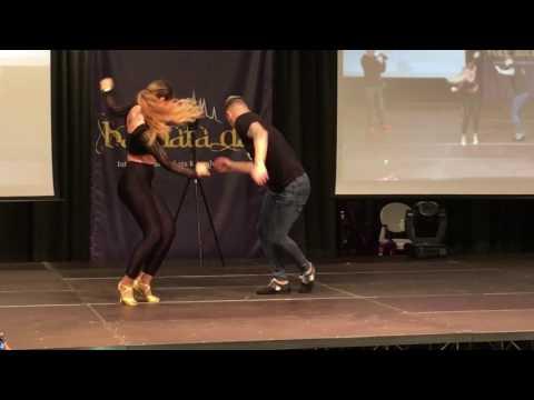 Daniel & Desireè  Deja Vu  Prince Royce & Shakira