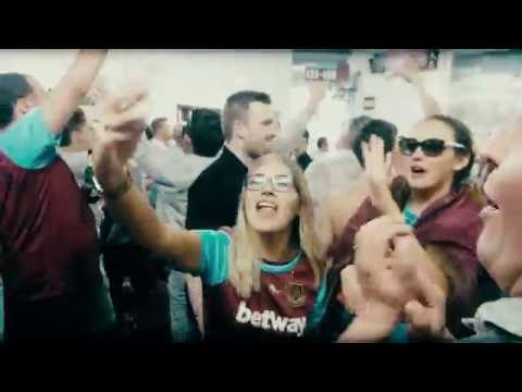 16 minutes rendition of Bubbles in the Chitty Chitty Bang Bang style - West Ham Fans at Upton Park!