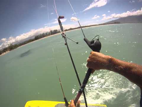 Very Light Wind Kiting on Maui with a 16 m and an Aguera Raceboard!