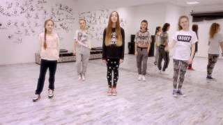 Видео урок на песню Шоу гёрлз