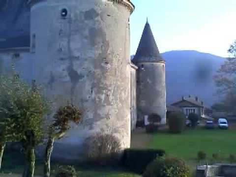 chateau de varennes beaujolais nouveau youtube. Black Bedroom Furniture Sets. Home Design Ideas