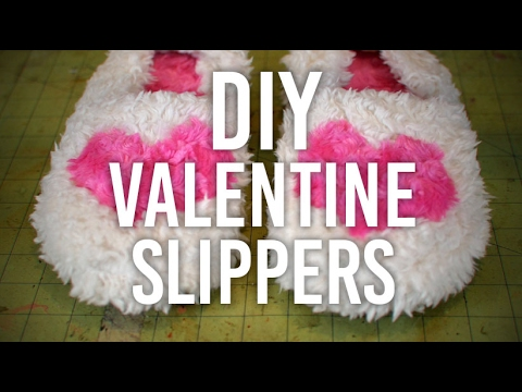 How to Make Fuzzy House Slippers : DIY : 💕 Valentine\'s Day ...