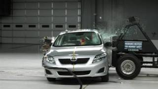 2009 Toyota Corolla side IIHS crash test