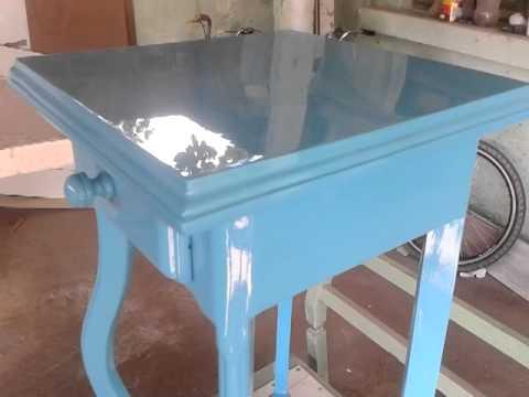 M veis laqueados like brazil 3 mesinha de canto azul youtube for Pintura azul turquesa
