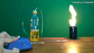 Kompor berbahan bakar bensin sederhana.