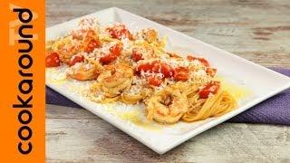Spaghetti con pomodorini gamberi e ricotta salata