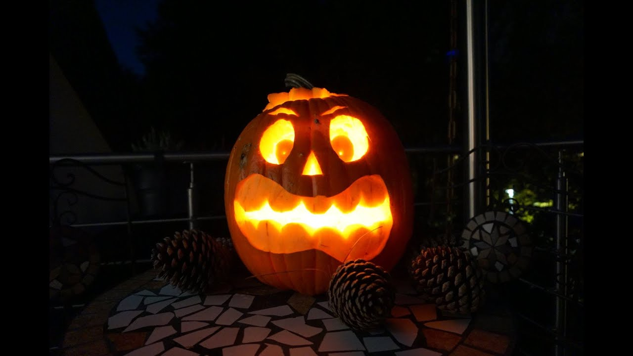 diy halloween k rbis schnitzen youtube