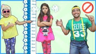 Anny quer ser alta e pular no pula pula ( kids wants to be taller & jump on a trampoline )
