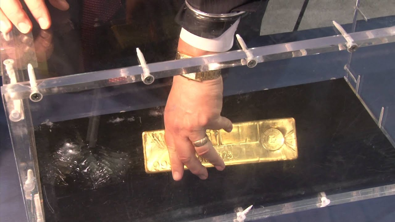 Coinweek Classic Apmex Displays 400 Ounce Gold Bar At Ana