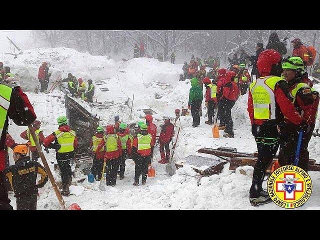 Других выживших на месте схода лавины в Италии пока не нашли