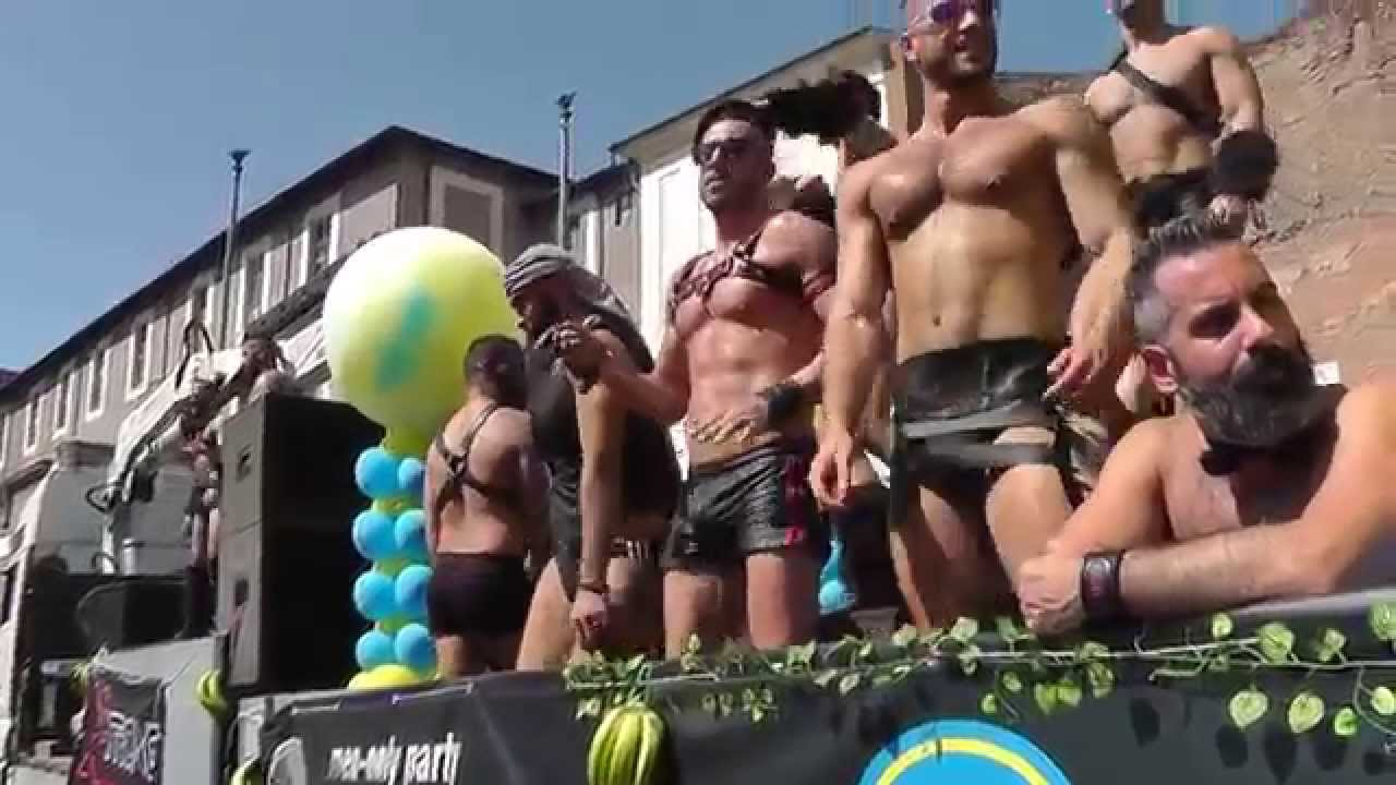 Gay video bdsm foto 44
