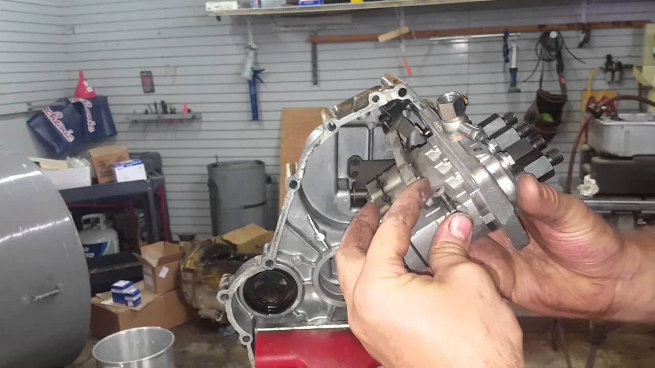 cat 3024c perkins n844 front cover and throttle linkage youtube rh youtube com Caterpillar Diesel Engines Caterpillar Engine C2 2