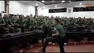 WOW  INI DIA VIDEO LANGKA YEL YEL UNIK PERWIRA TNI