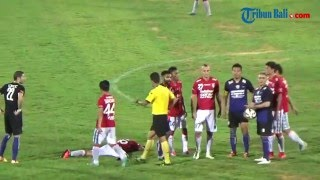 Piala Bhayangkara: Diwarnai 2 Kartu Merah, Arema Cronus Tekuk Bali United 2-1