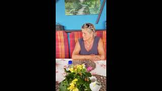Jelle van Marrum spielt bei Radio Schwung auf der kleinen Kawai