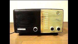 """ナショナルの真空管ラジオ CM-375です、""""エメラルド""""の愛称が付けられて..."""