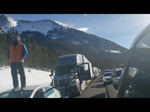 Massive Colorado Avalanche caught on camera