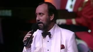 "Ray Stevens - ""You Gotta Have A Hat"" (Live in Branson)"
