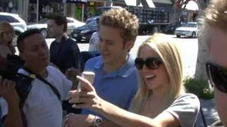 Heidi Montag and Spencer Pratt do what the paparazzi say.