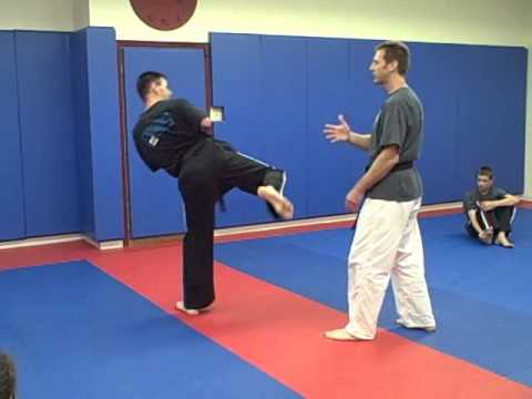 how to escape a leg catch muay thai