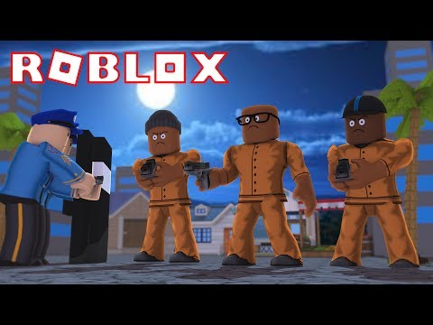 CRIMINALS VS SWAT IN ROBLOX