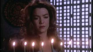 Susan Ivanova Lighting the Menorah - Babylon 5 S2E22