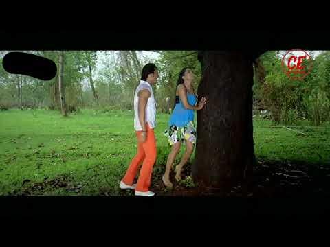 Couple Romance in Rain !!!!