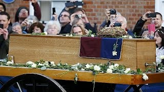 Richard III's coffin goes on public view