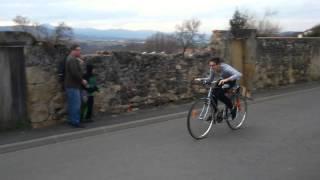 Vélo à moteur de tronçonneuse