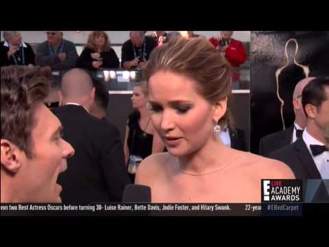 Jennifer Lawrence owns Emma Stone's ass